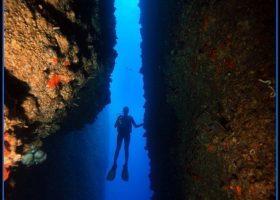 turkey-scubadiving-divingpassport-diver-canyon