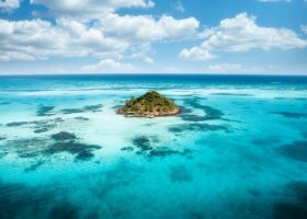 divingpassport-colombia-scubadiving-view-island