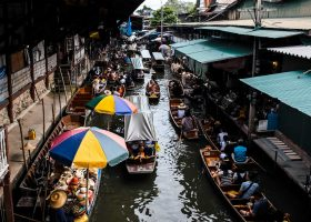 Thailand-scubadiving-divingpassport-float-market