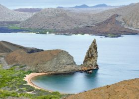 galapagos-ecuador-divingpassport-scubadiving-beach